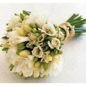 свадебный букет из фрезии-300x300