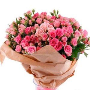 buket-iz-kustovoy-rozy-romans-177-600x513